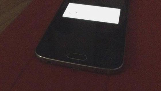 Galaxy-S6-mini-onderkant